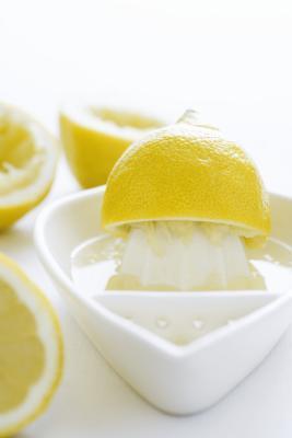 Rischi per la salute di succo di limone