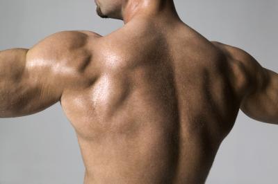Trattamento di terapia fisica per un nervo toracico lungo