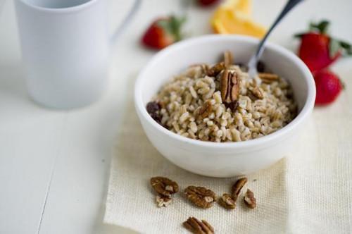 Come cucinare orzo per cereale da prima colazione