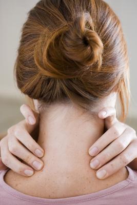 Dolore nella spalla sinistra e la Base del collo durante l'esercizio