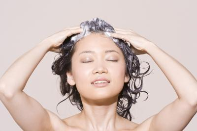 Come fare in casa naturale Shampoo per capelli secchi