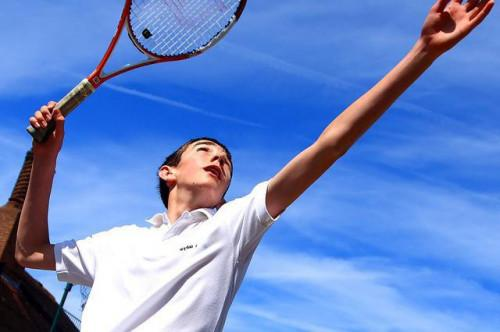 Tecnica di nastratura per gomito del tennista