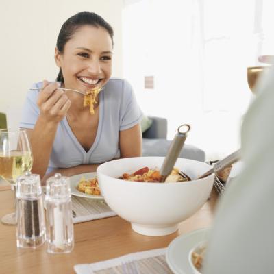 Il tuo metabolismo lento quando mangiare due pasti?
