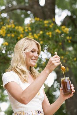 Cos'è il miele considerato sulla piramide alimentare?
