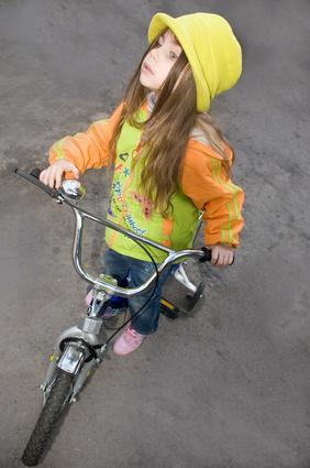 Come insegnare a un 5-Year-Old ad andare in bici senza ruote di formazione