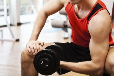 Come recuperare da un infortunio alla spalla di Bodybuilding