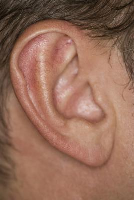 Piccoli urti dietro le orecchie