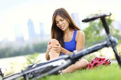 Ginocchia doloranti da mountain bike