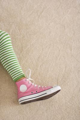 Bambini con dolore alle gambe dopo esercizio