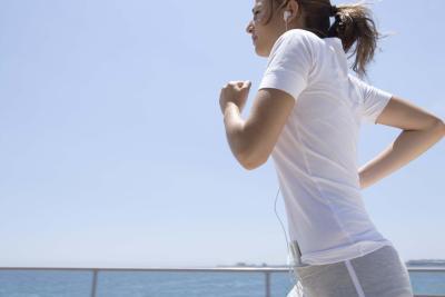 Un piano di allenamento per perdere peso per ragazze adolescenti