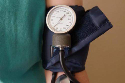 Che tipo di Snack Foods sono buone per le persone con pressione sanguigna alta?