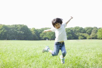 Il peso ideale per un cinque-anno-vecchio