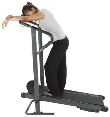 Che cosa causa la debolezza e vertigini dopo aver camminato su un tapis roulant?