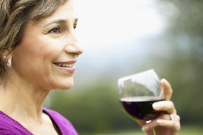 Quali sono i benefici per la salute di bere un po ' Pinot Noir vino ogni giorno?