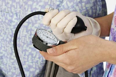 Può la tiroide causare alta pressione sanguigna?