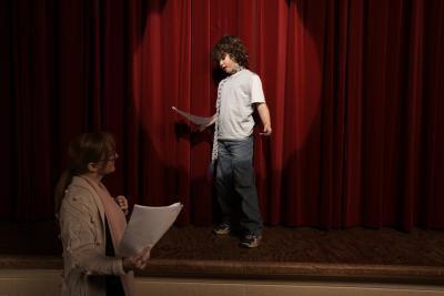 I vantaggi dell'introduzione di dramma agli anni dell'adolescenza