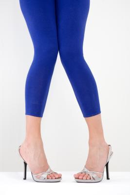 Come indossare Leggings con cosce grasse