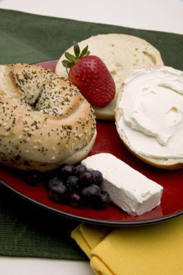 Quante calorie sono in un Bagel con burro & crema di formaggio?