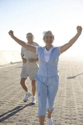 La migliore recensione scarpe da passeggio per gli anziani