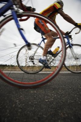 Escursioni in bicicletta con ginocchio del corridore