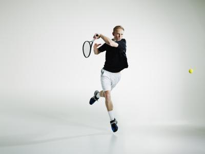 Come sollevare pesi con il gomito del tennista