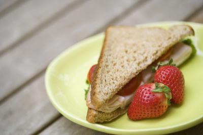 Dovrebbe mangiare proteine o carboidrati il giorno prima l'esercito APFT?