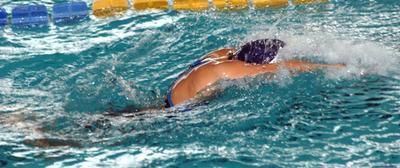 Allenamenti di nuoto del liceo