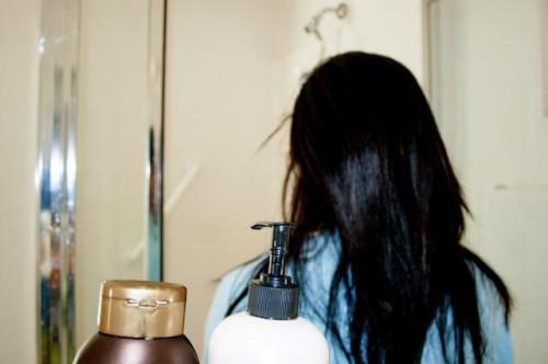 Come far crescere i capelli rilassato senza tagliarla