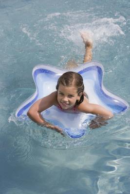 È sicuro per i bambini con fibrosi cistica per andare a nuotare?