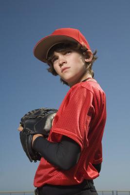 Come insegnare ai figli a lanciare una palla da Baseball