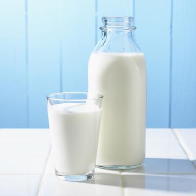 Quali sono i sintomi di un'allergia del latte negli adulti?