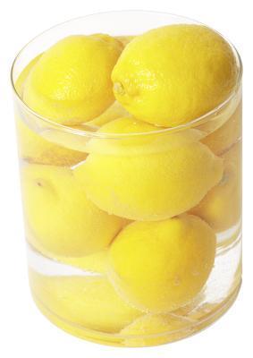 Quali sono i vantaggi di bere limone & miele in acqua?