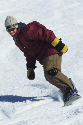 Come trasportare l'acqua mentre lo snowboard