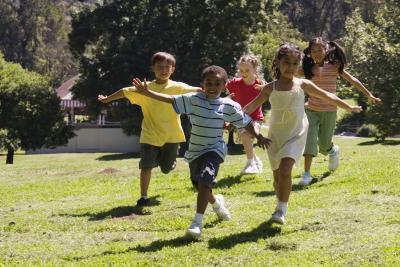 Giochi gratis per giocare fuori con i bambini sotto i 10 anni