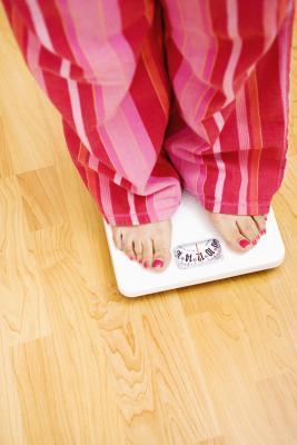 È possibile guadagnare peso entro un'ora senza mangiare o bere?