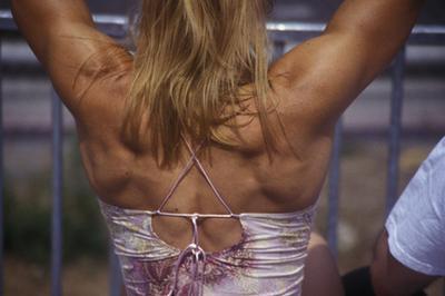 Quanto muscolo può acquisire una donna con forza di formazione?