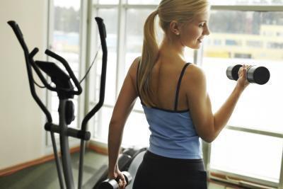 Quali esercizi dovrei fare ogni giorno per mantenersi in forma?