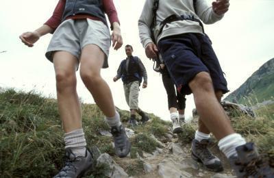 Cause di dolore al ginocchio durante l'escursione in discesa