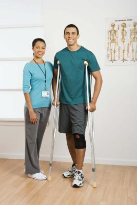 Quanto doloroso è la terapia fisica per una caviglia rotta?