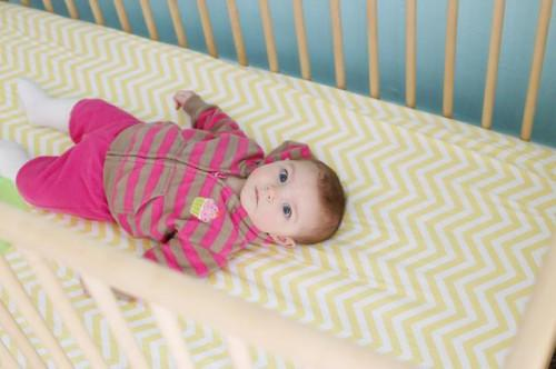 Come impedire che un punto calvo sviluppando sul retro della testa di un bambino