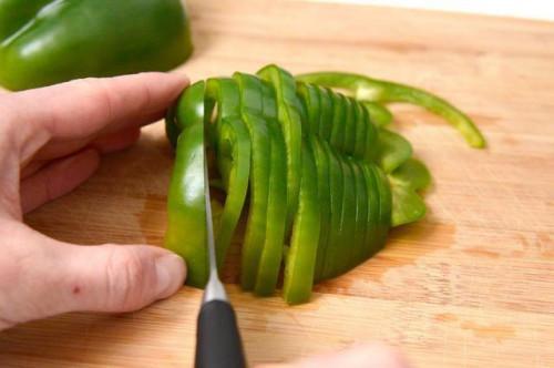Come congelare i peperoni verdi senza scottatura