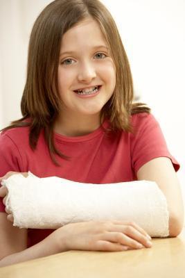 Quali esercizi posso fare per un braccio rotto di riabilitazione?