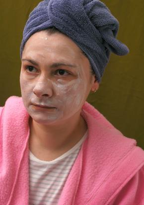 Maschere per il viso per la pelle incline