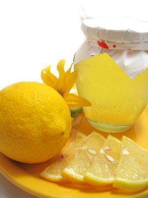 Quali ingredienti casa posso usare per un tonico viso & Cleanser?