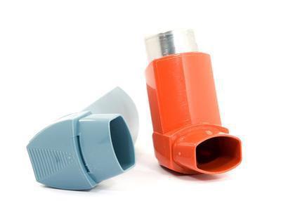Circa il trattamento di emergenza per un attacco acuto di asma