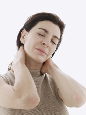 Chiropratico vs terapia fisica per dolore al collo cronico muscolare