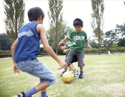 Quali sono i vantaggi di competizioni sportive per i giovani?