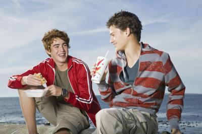 Gli effetti del mangiare cibo spazzatura per esercitare