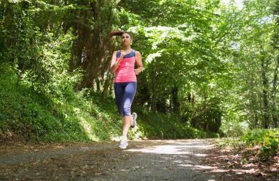 Mal di spalle mentre fa Jogging