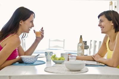 Come mangiare una sana colazione influisce sul modo che corpo di una persona lavora al mattino?